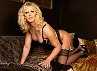 Click image to open a larger version of photoshootimage_alisondale01lrg.jpg. Views: 37.