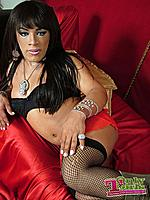 only-tgirls-ruby-navarro-picture-006.jpg