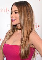 sofia-vergara-at-modern-family-atas-event-in-los-angeles_7.jpg